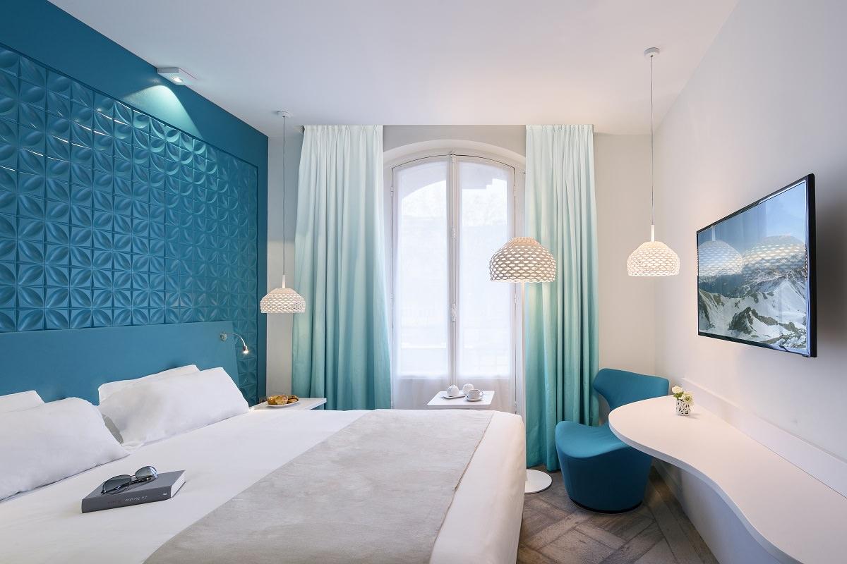 Голубые шторы с градиентом
