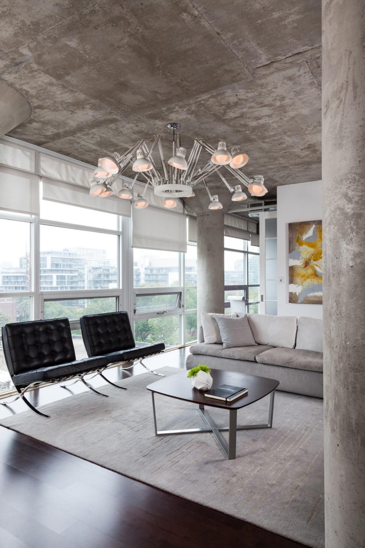 Бетонный потолок в стиле хай-тек