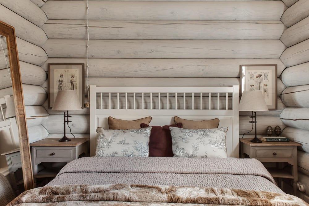 Кровать для дачи в стиле кантри