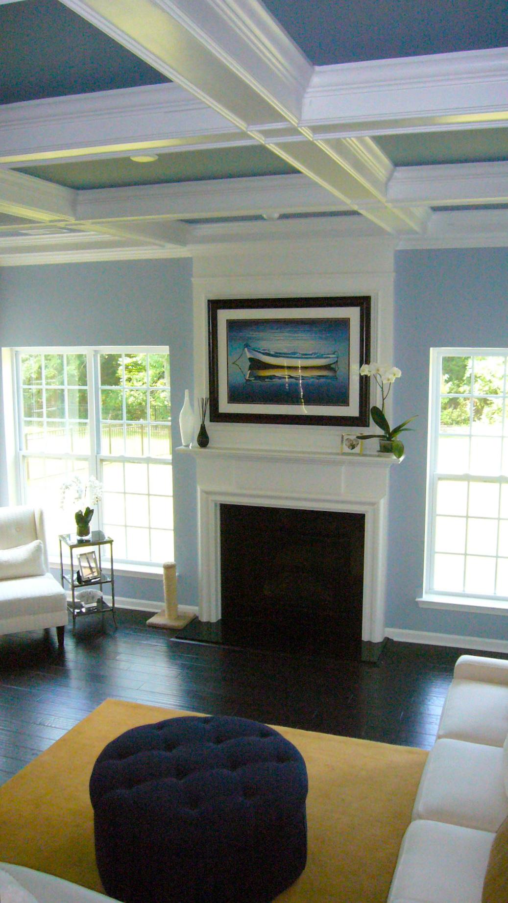 Двухцветный кессонный потолок