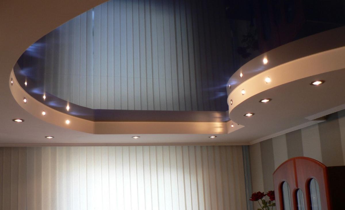 Комбинированный фигурный потолок