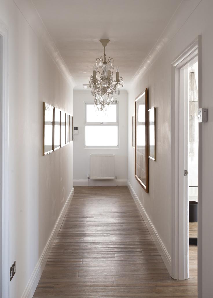 Люстра в коридоре
