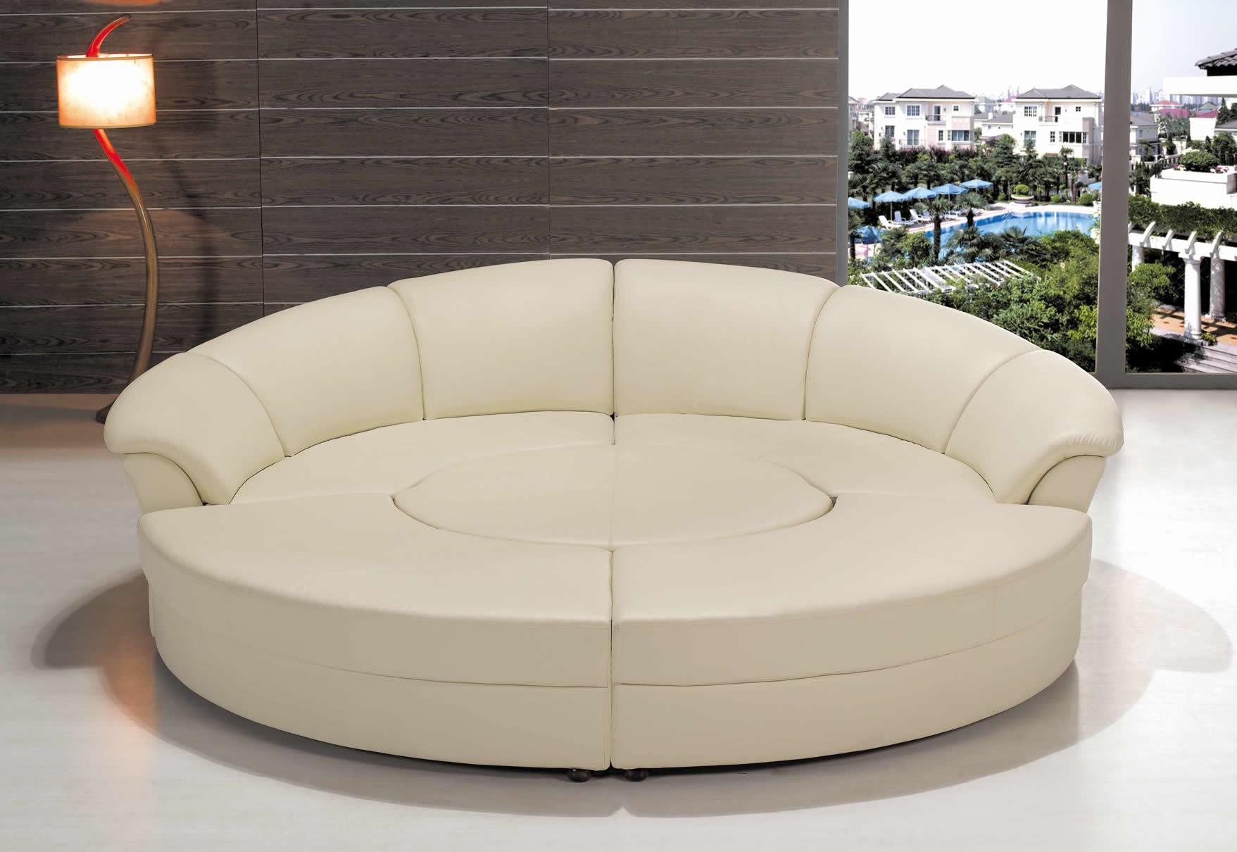 Круглый кожаный диван
