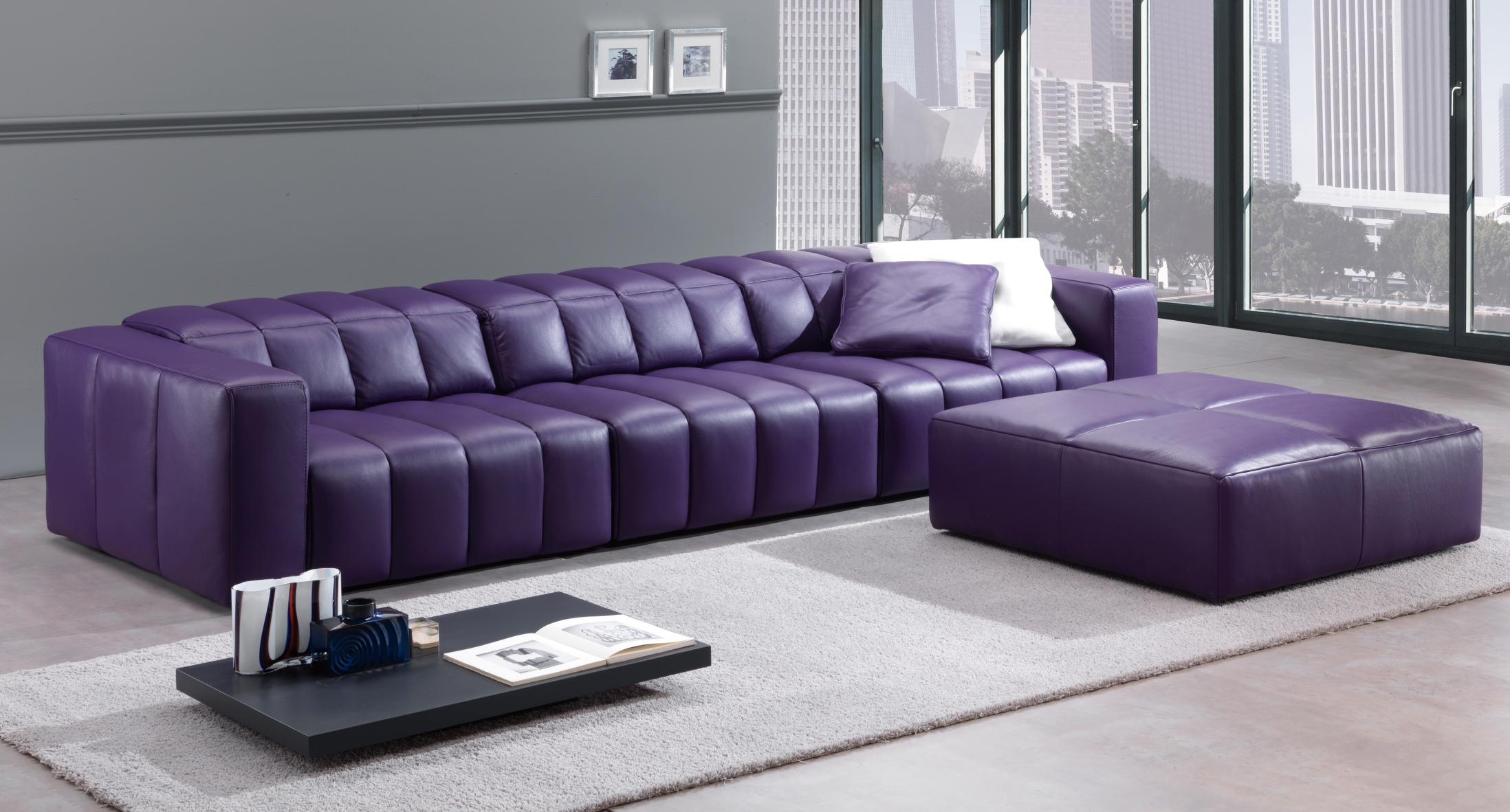 Перетяжка дивана кожзамом