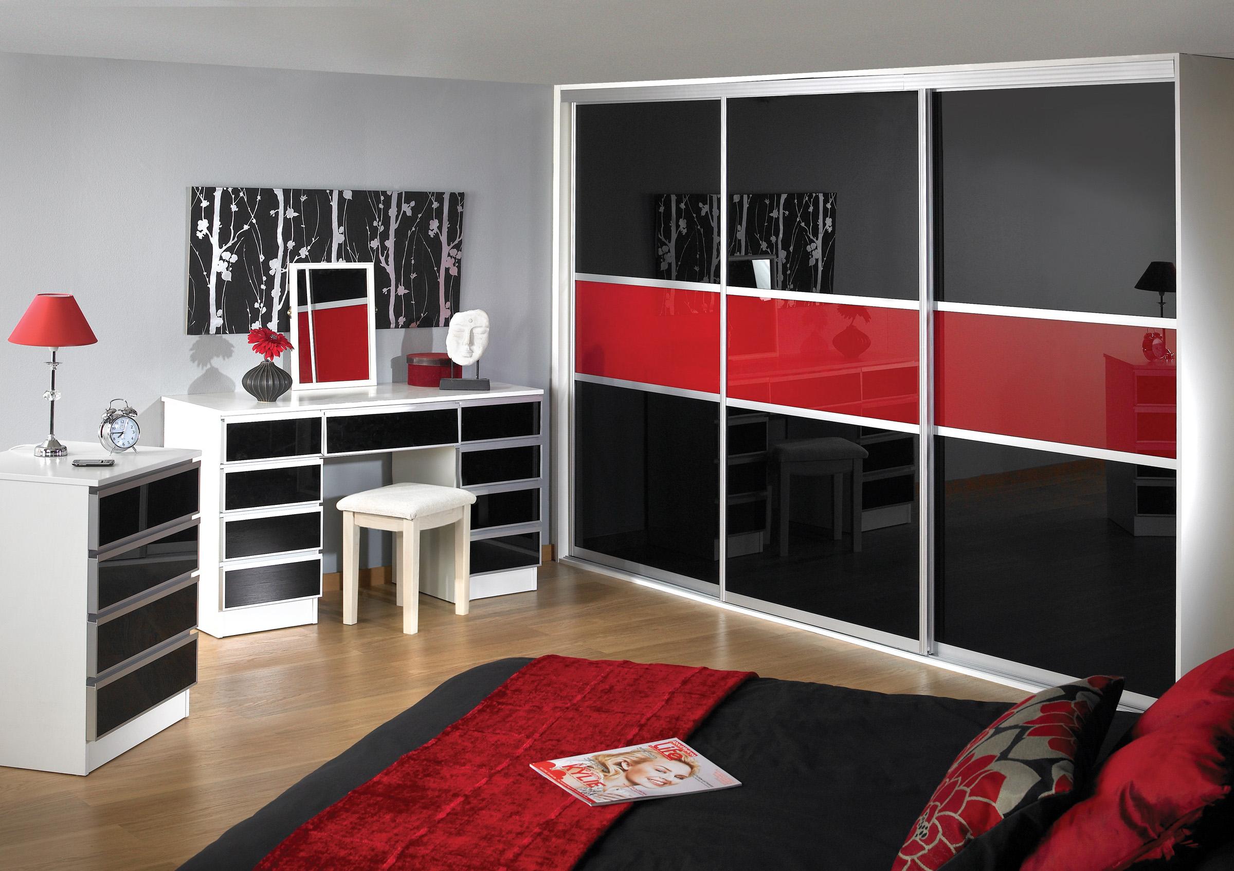 Красно-черная глянцевая спальня