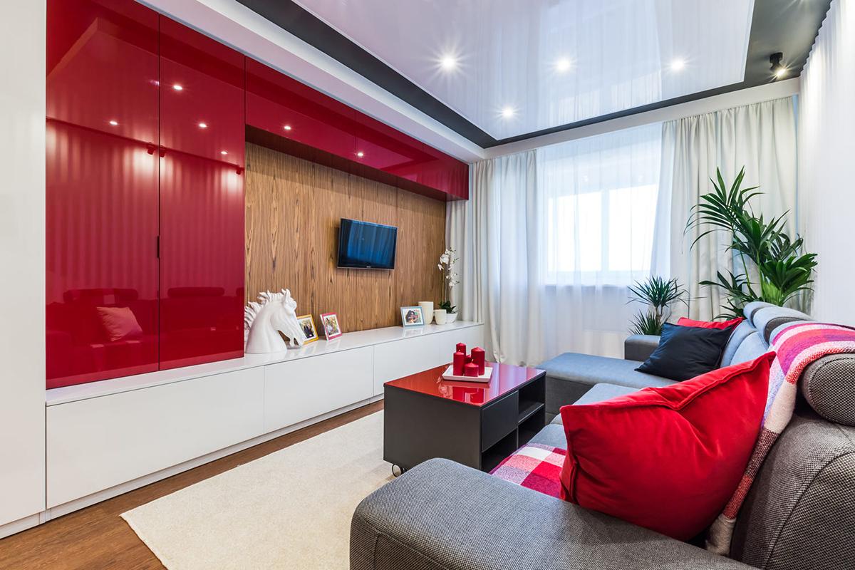 Красная глянцевая гостиная