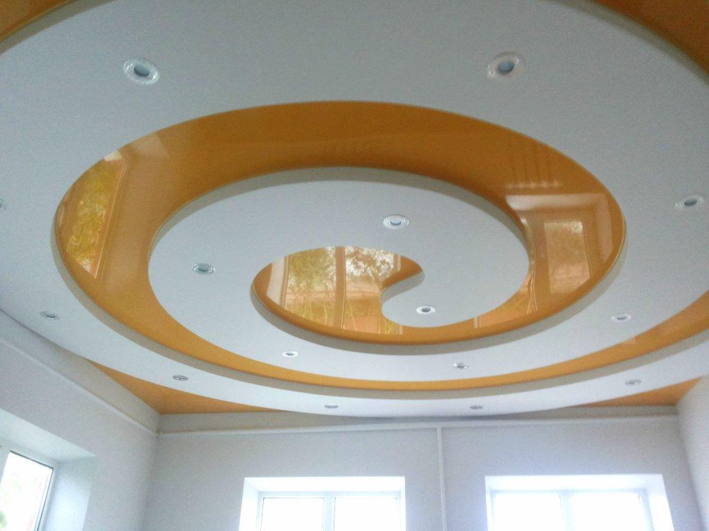 Круглый фигурный потолок