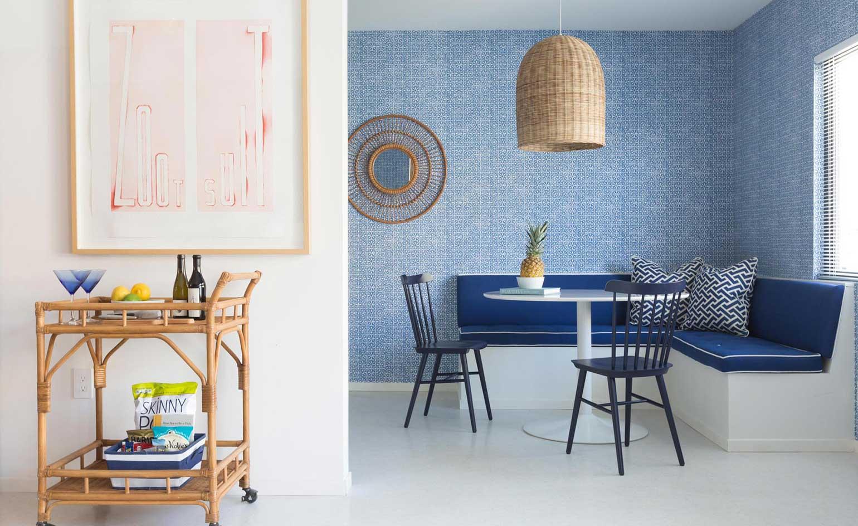 Голубые кухонные обои