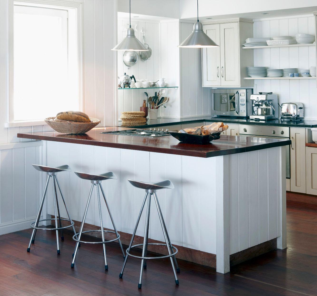 Барный стол на кухне