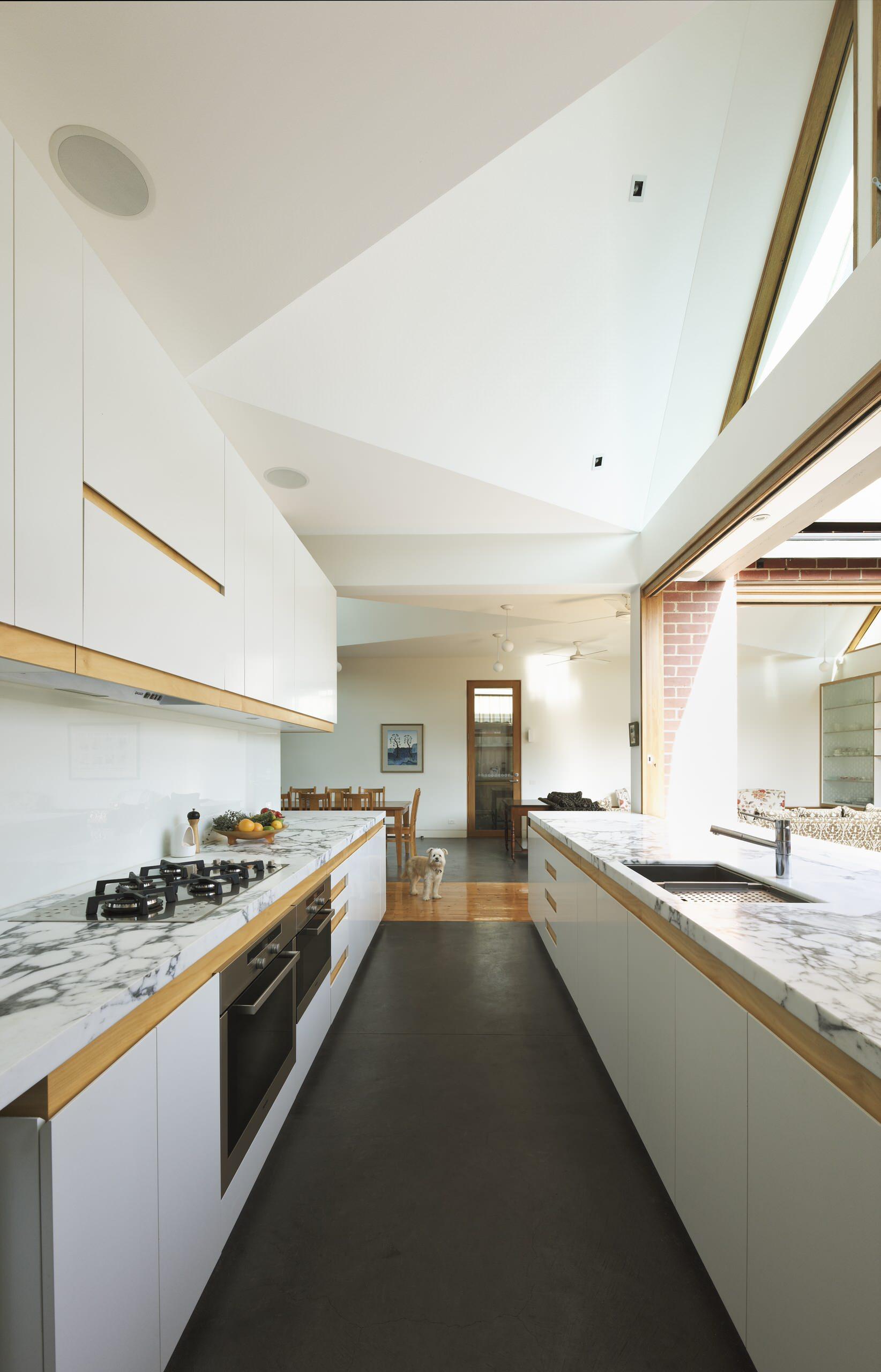 Гипсовый потолок на кухне