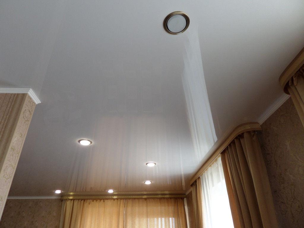 Бесшовный потолок в квартире
