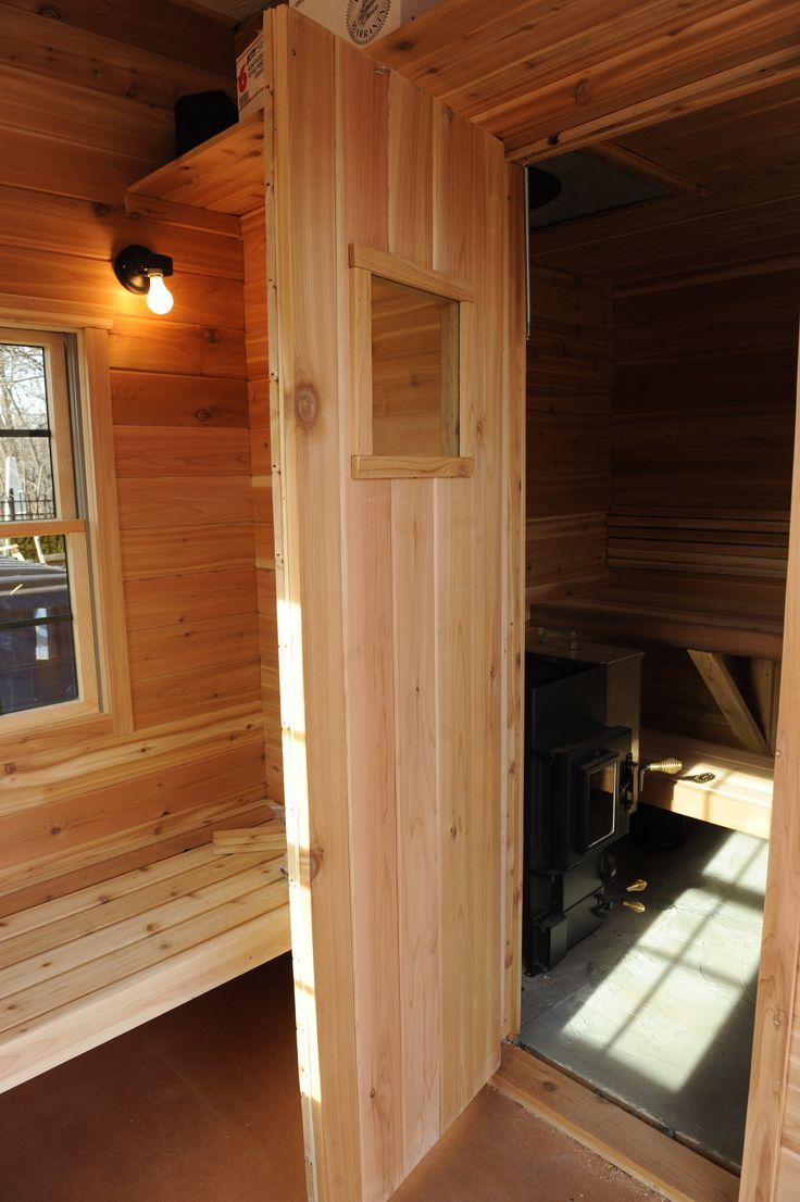 Дверь для бани из лиственницы