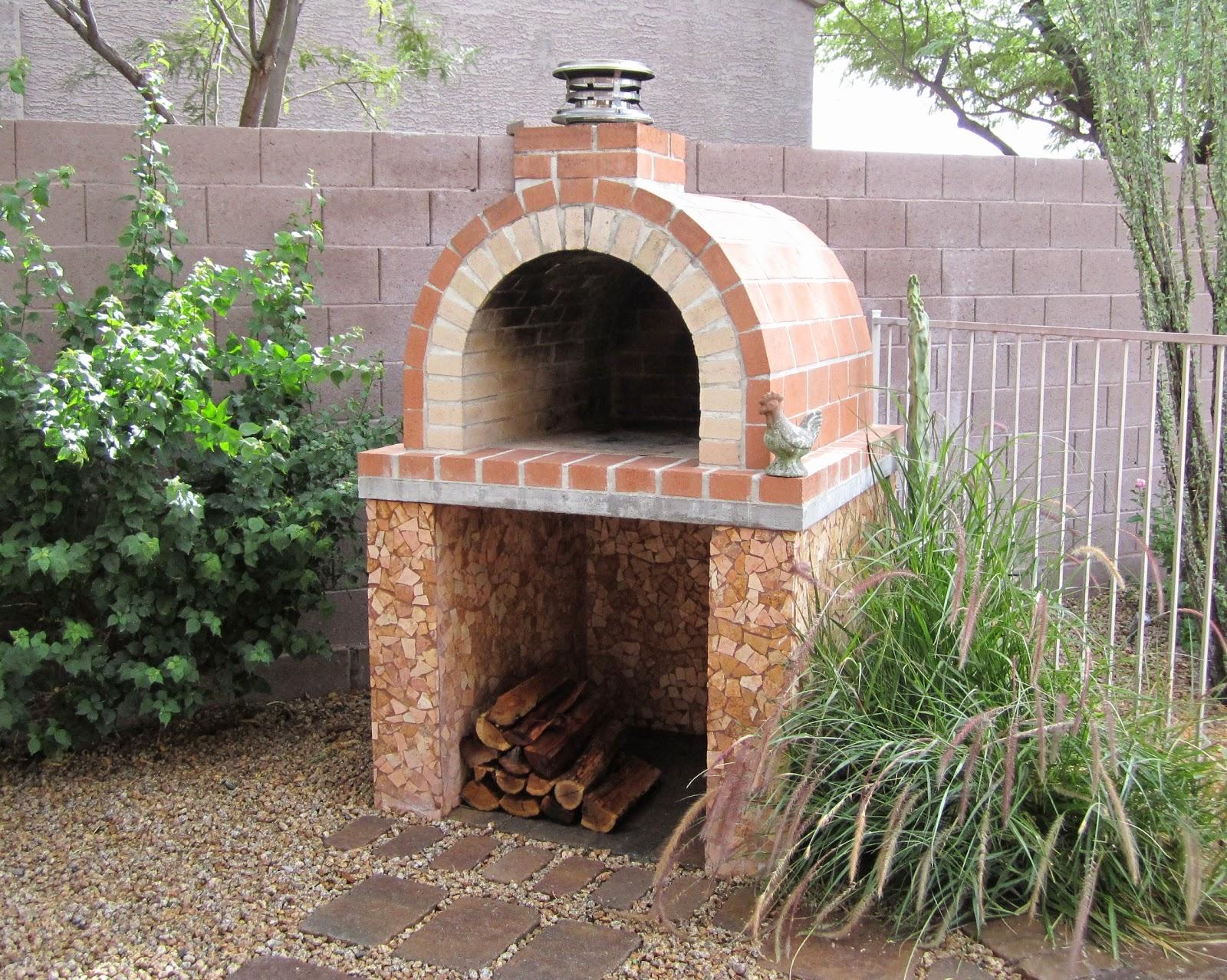 Кирпичная печь с мангалом