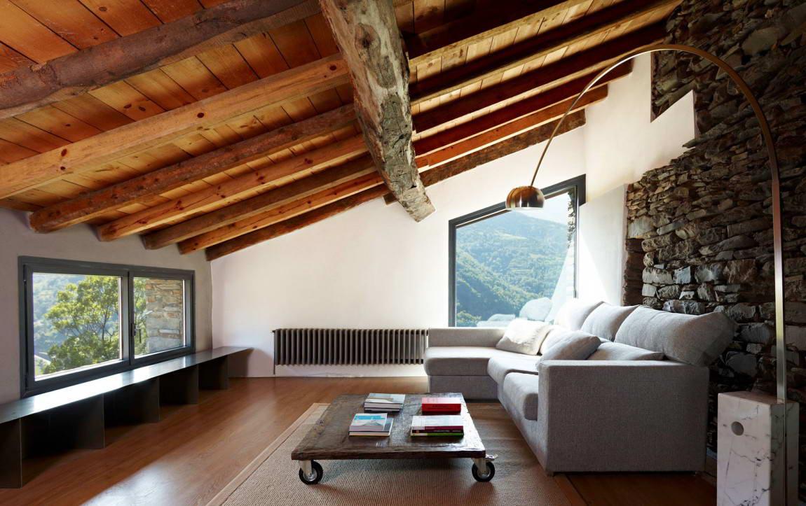 Потолок из досок: особенности натурального покрытия (22 фото)