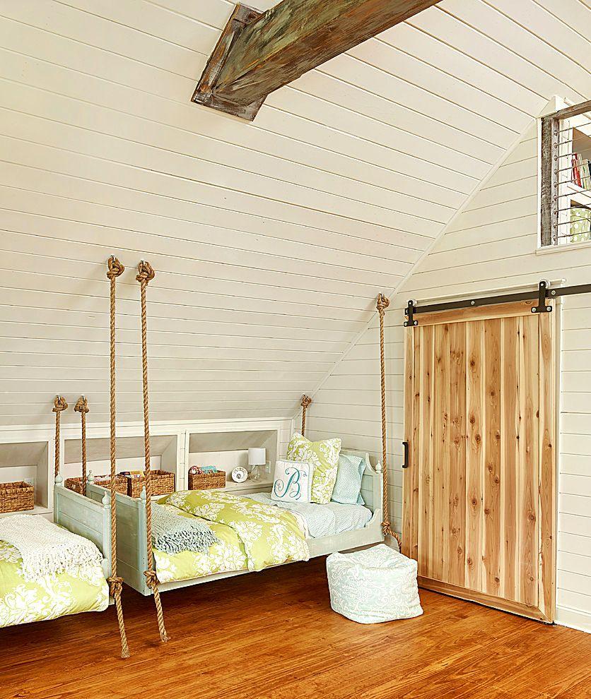 Кровать для дачи на мансарде
