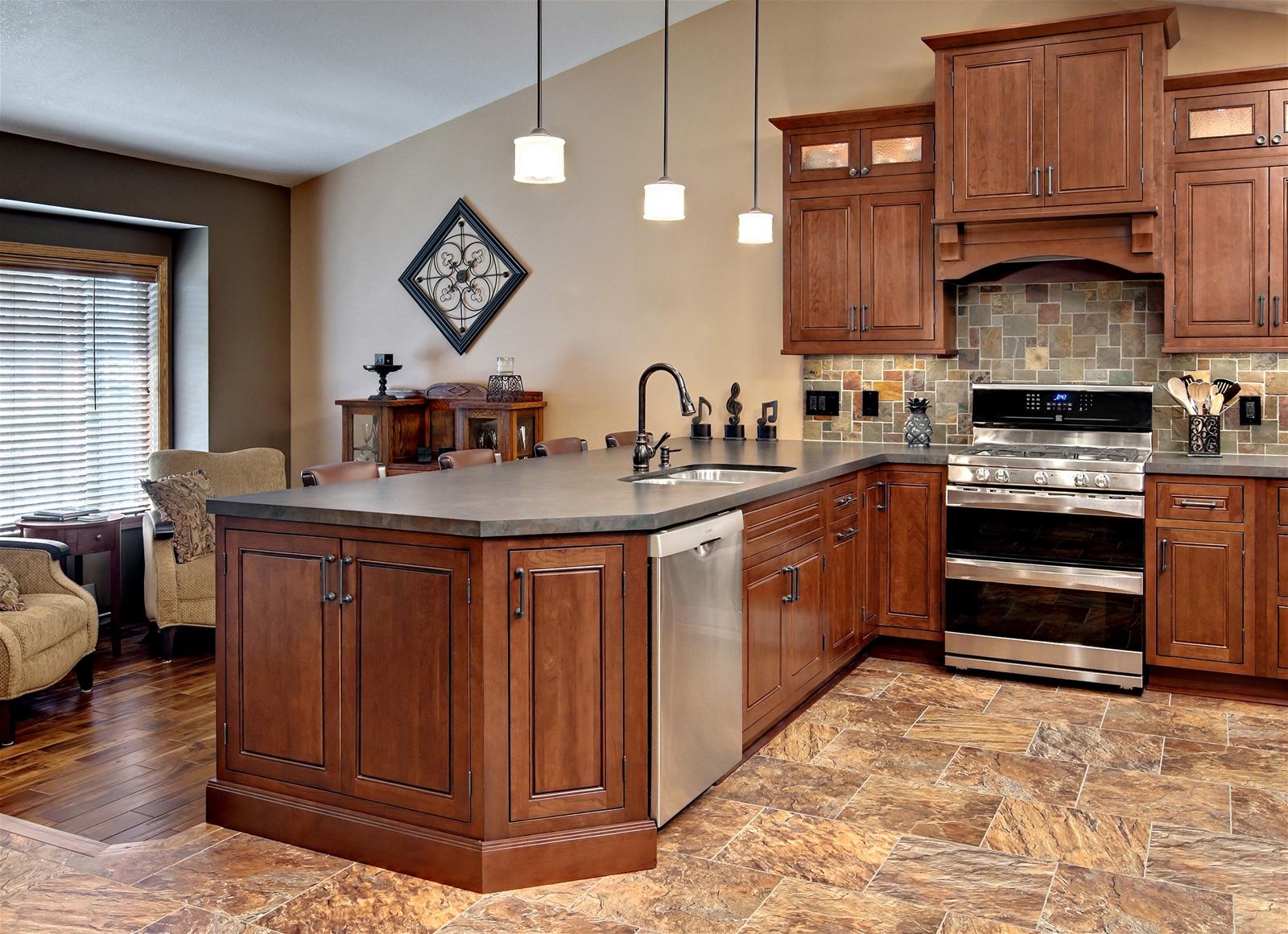 Шкафы для кухни из массива