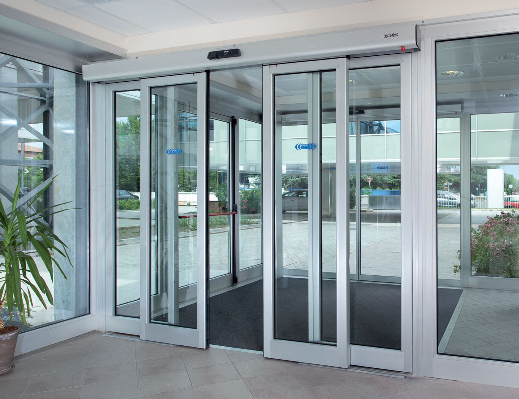 Автоматическая дверь из металла
