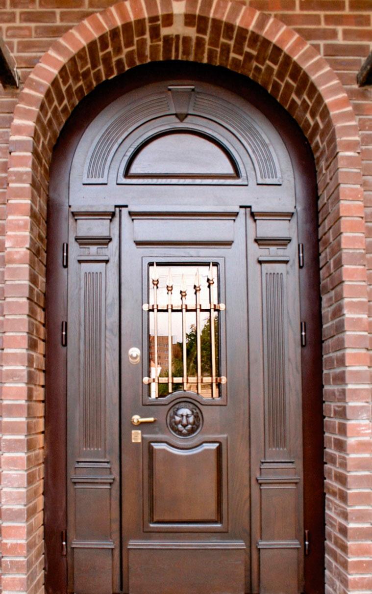 Арочная дверь из металла
