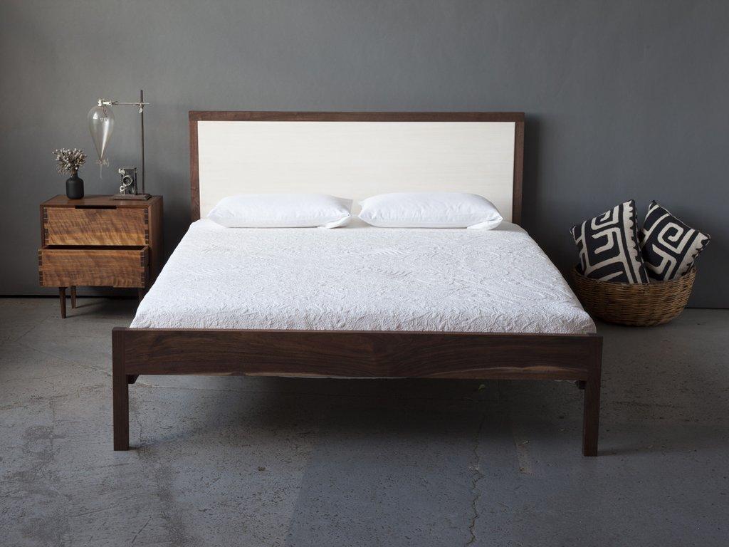 Кровать орех в стиле минимализм