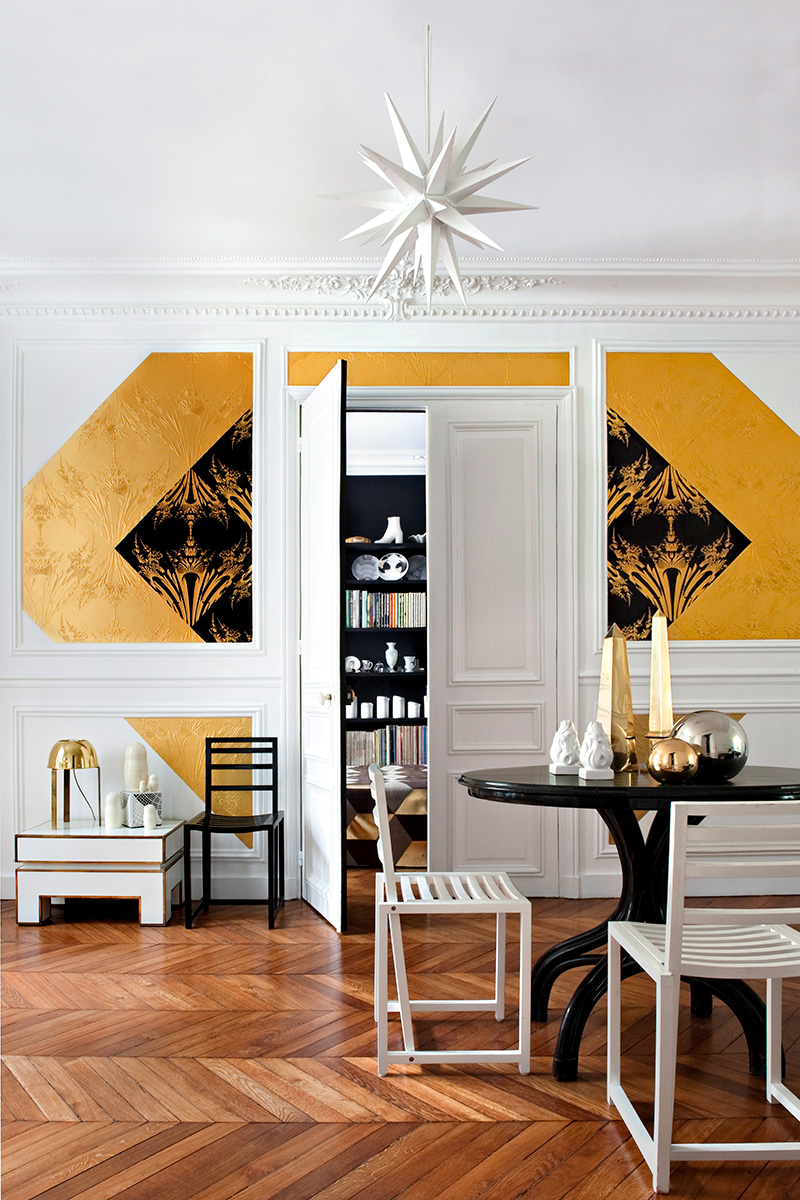 Золотые обои в стиле модерн