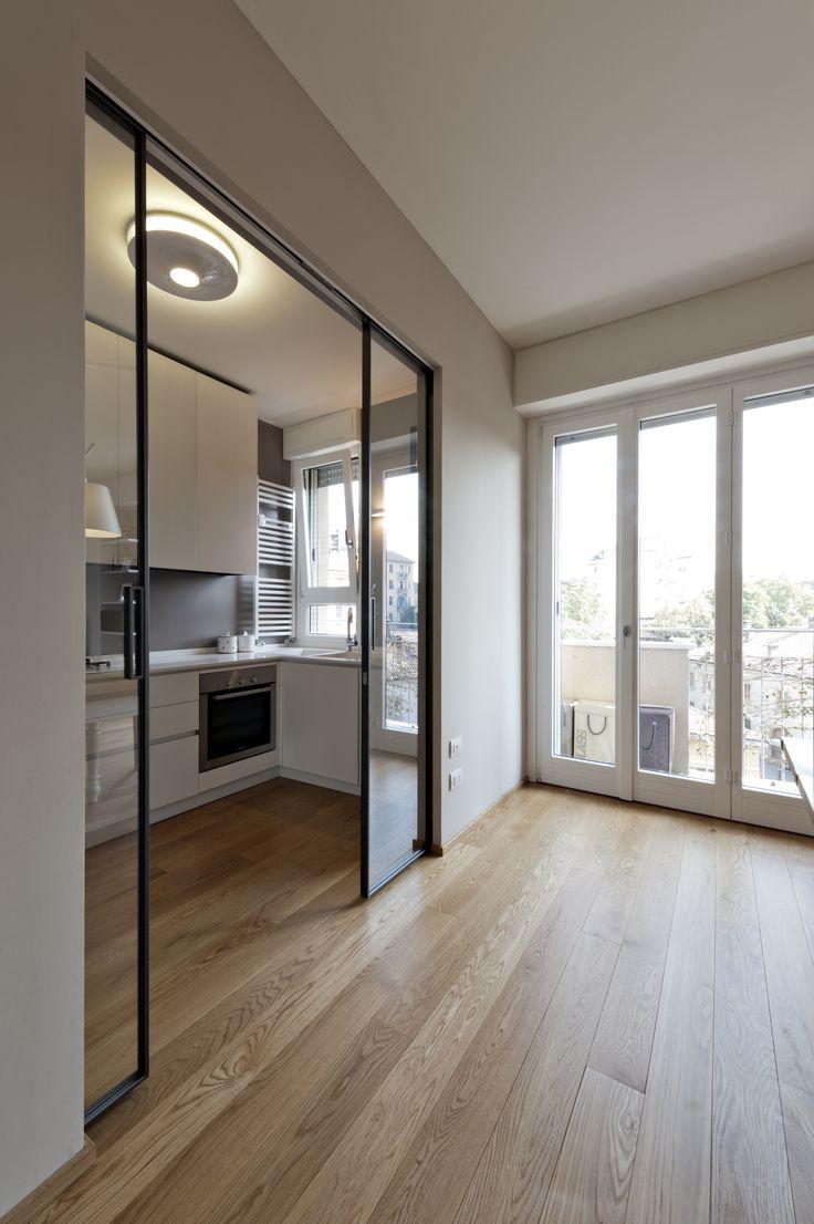 Дверь на кухню в стиле модерн