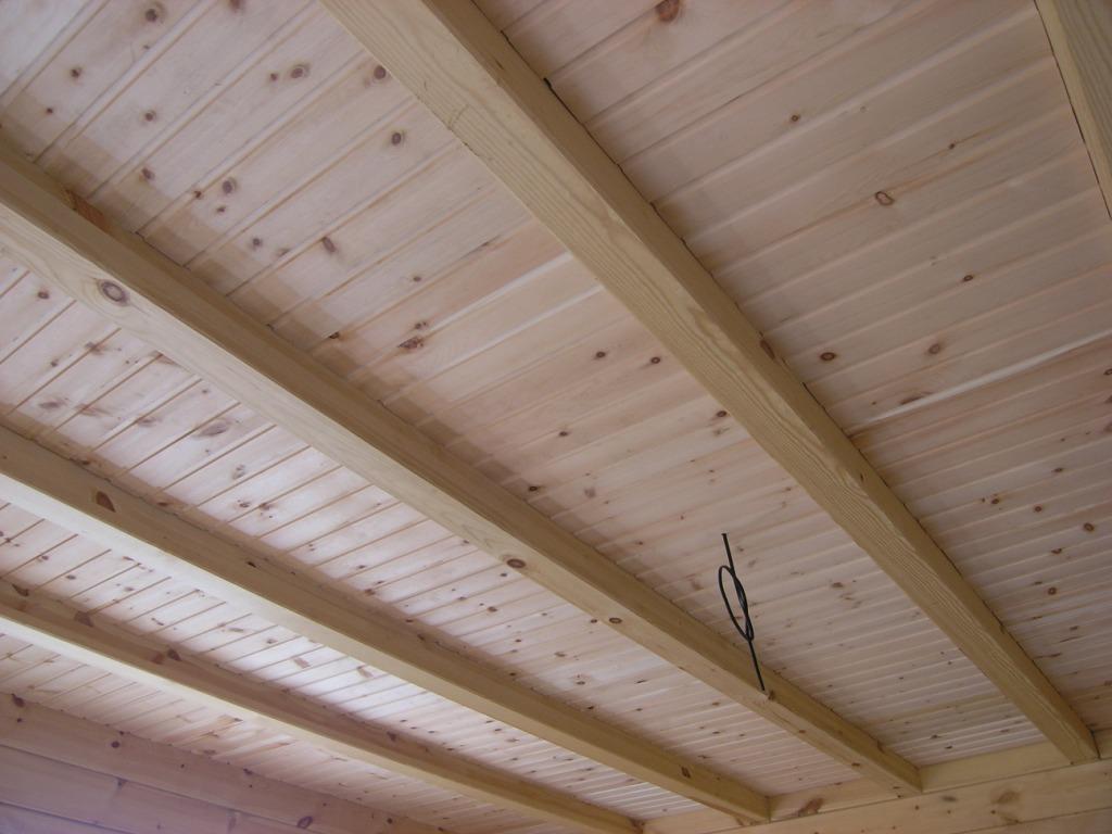 Монтаж досок на потолок