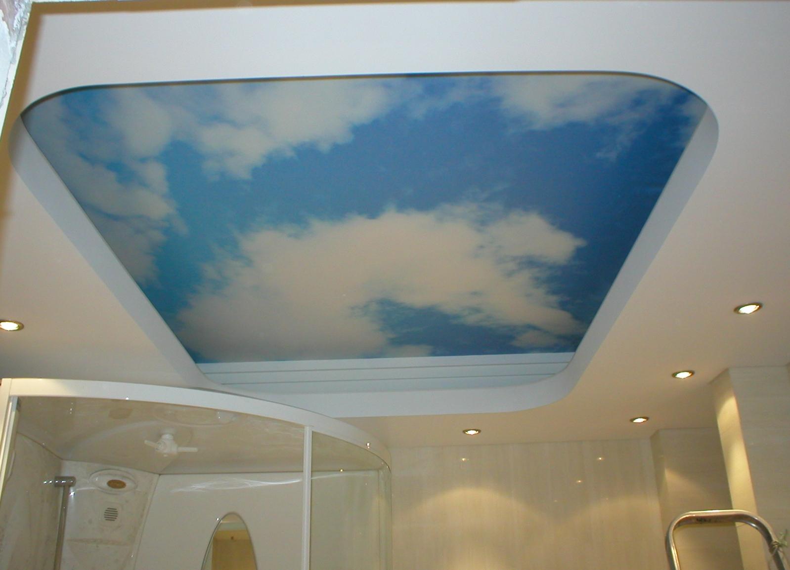 Матовый потолок с изображением неба
