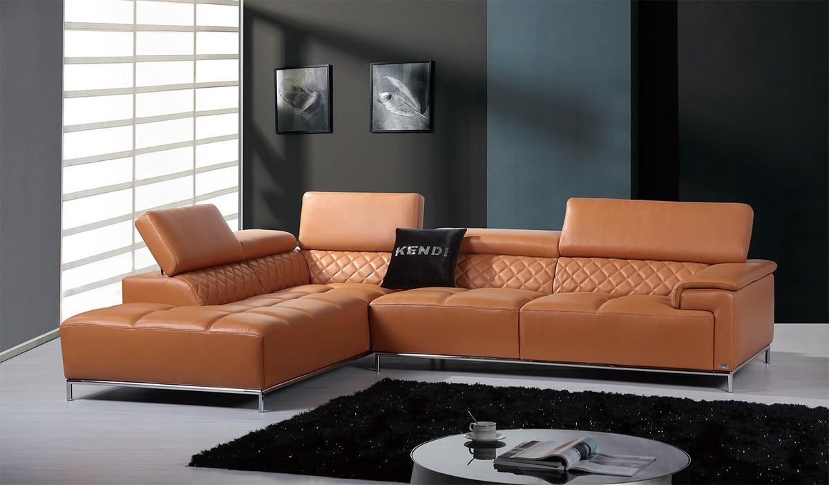 Оранжевый диван из экокожи