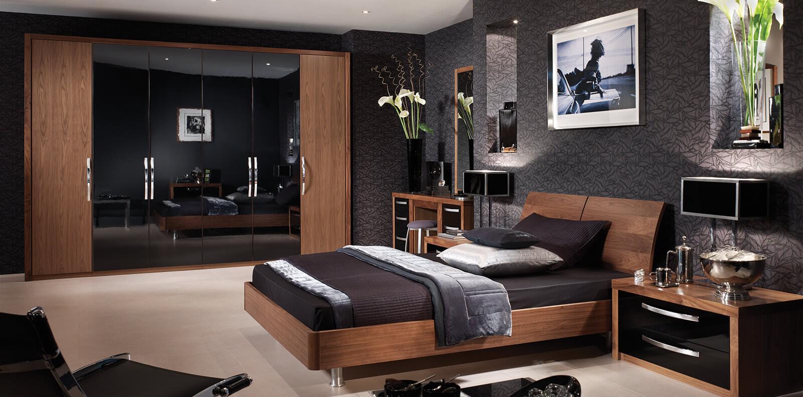 Кровать из ореха