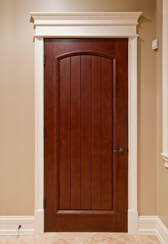 Межкомнатная дверь МДФ под орех