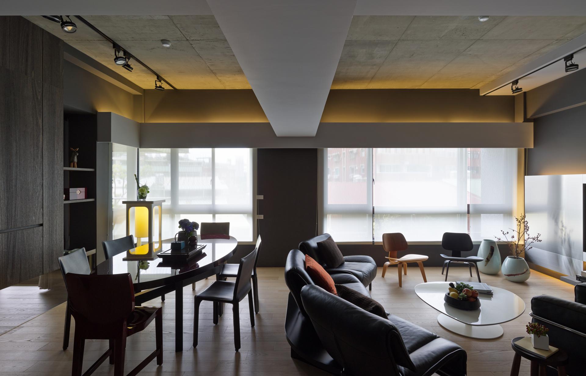 Бетонный потолок с подсветкой