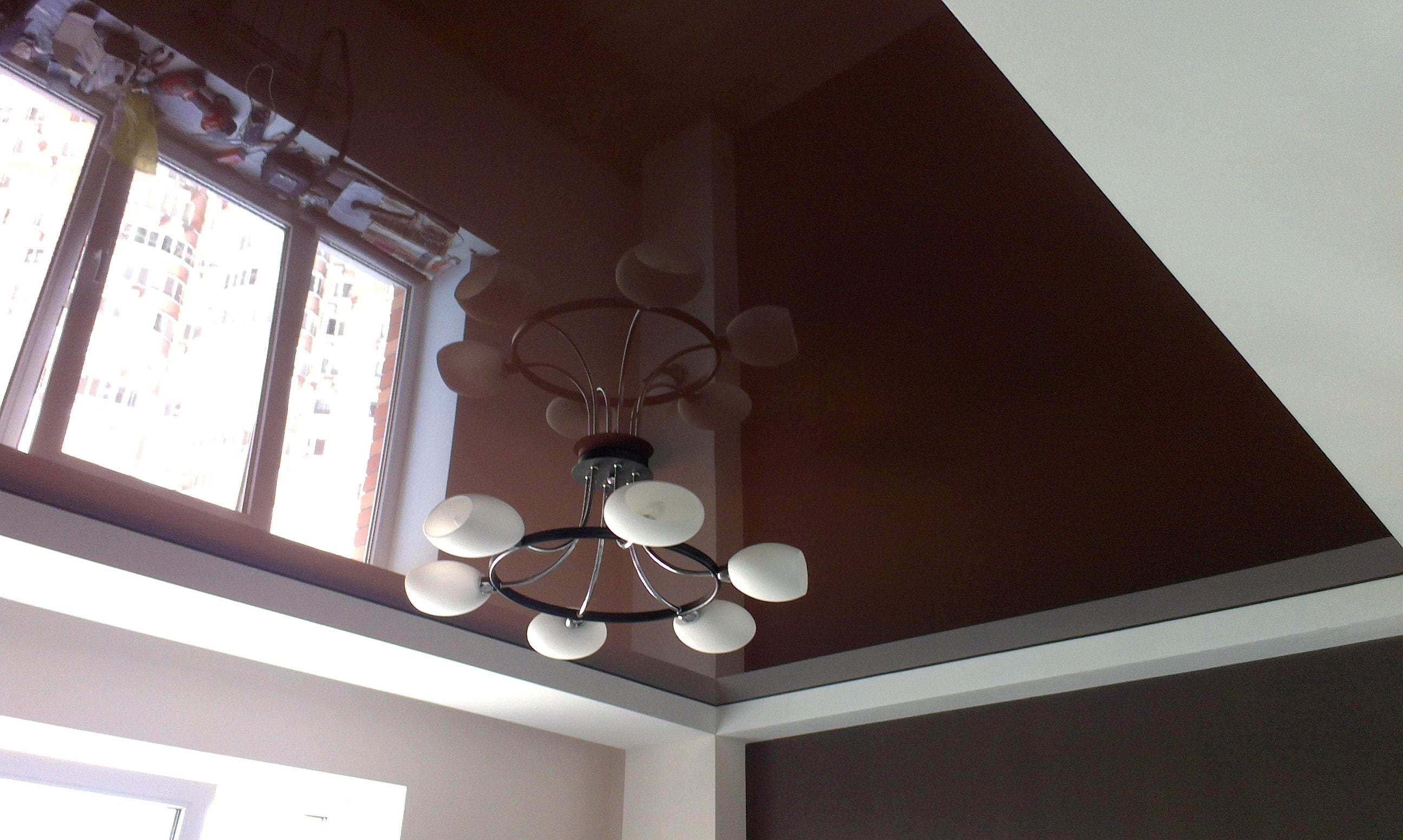 Коричневый подвесной потолок
