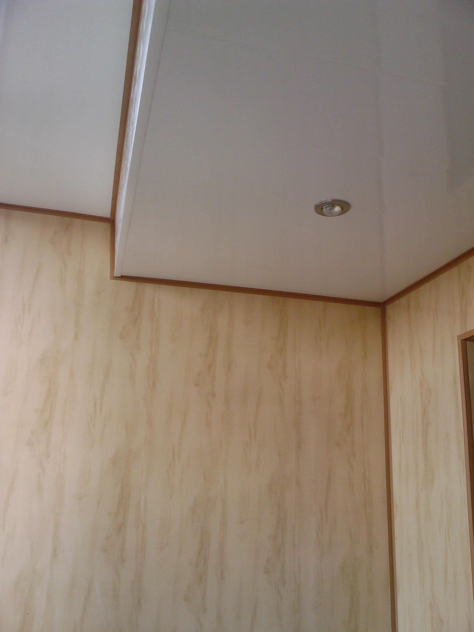 Подвесной потолок на балконе