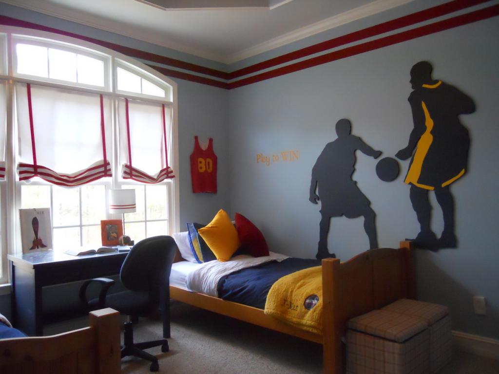 Шторы для комнаты мальчика с подвязками