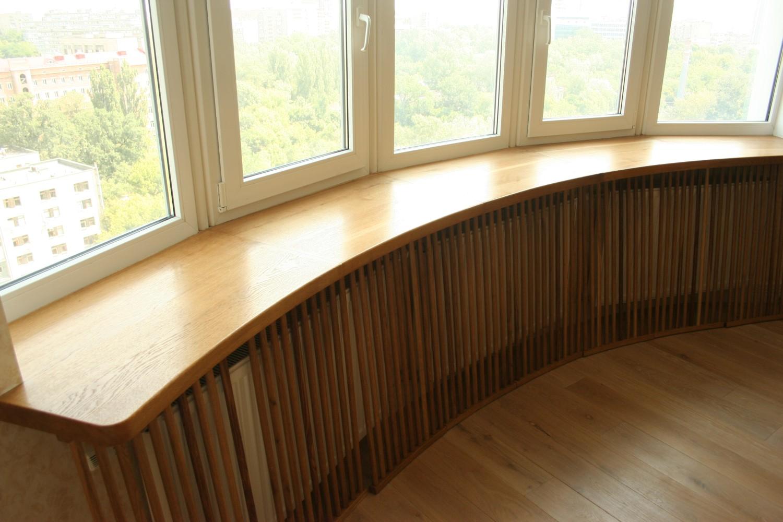 Полукруглый деревянный подоконник