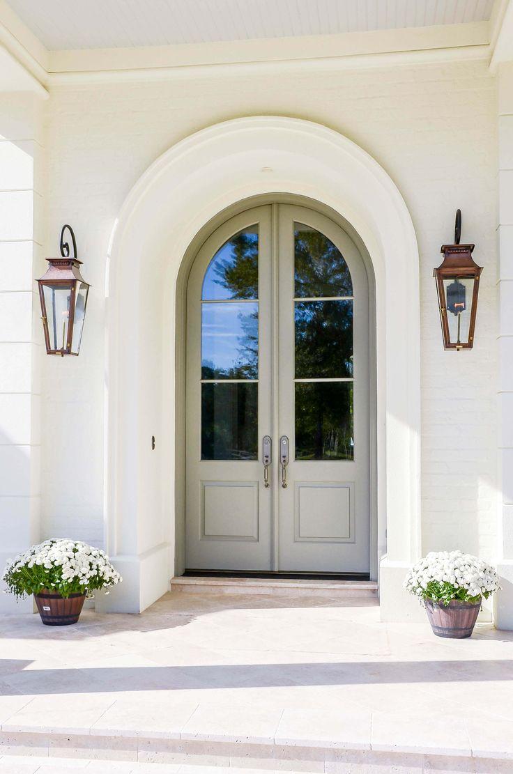Арочная дверь в стиле прованс