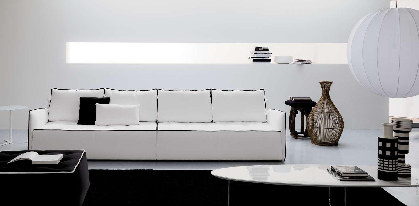 Узкий прямой диван