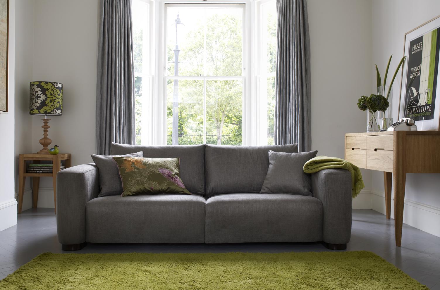 Малогабаритный прямой диван