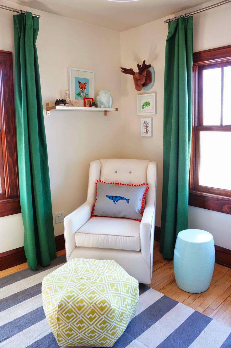 Прямые зеленые шторы