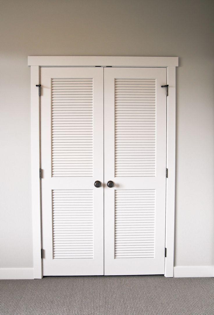 Распашная жалюзийная дверь