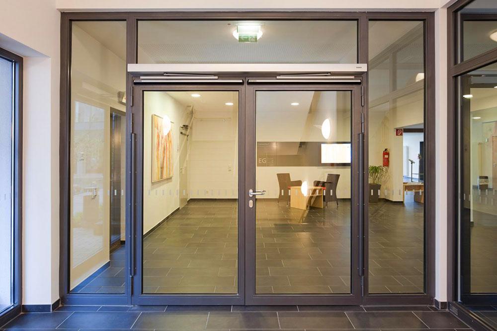 Автоматическая дверь с расширителем