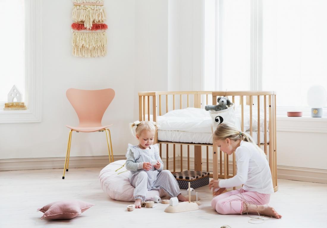Овальная кровать для ребенка