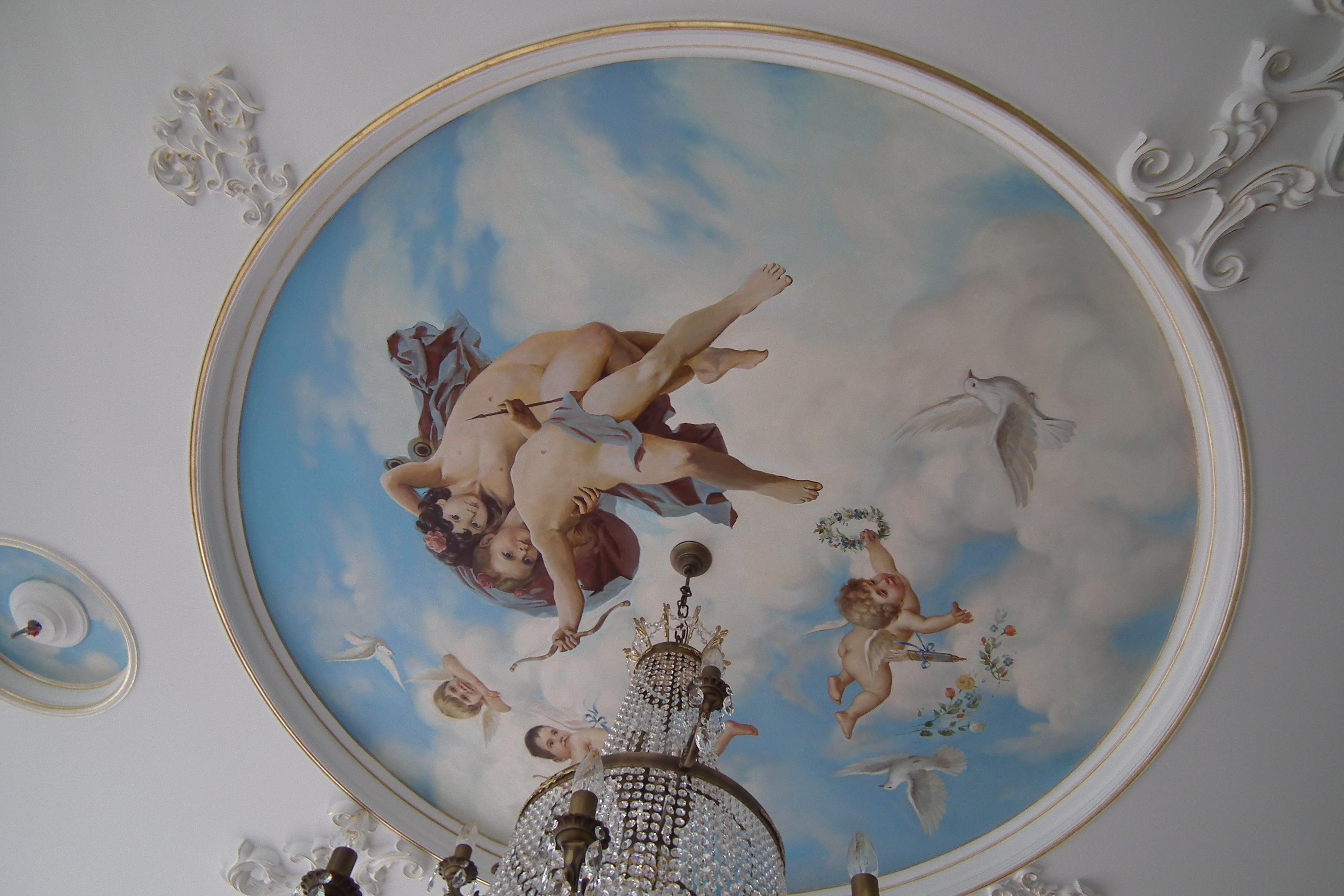 Роспись на потолке в классическом стиле