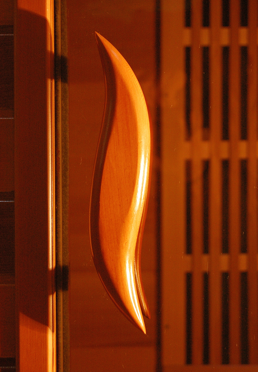 Стеклянная дверь с ручкой для сауны