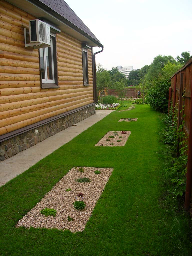 Газонная решетка в саду