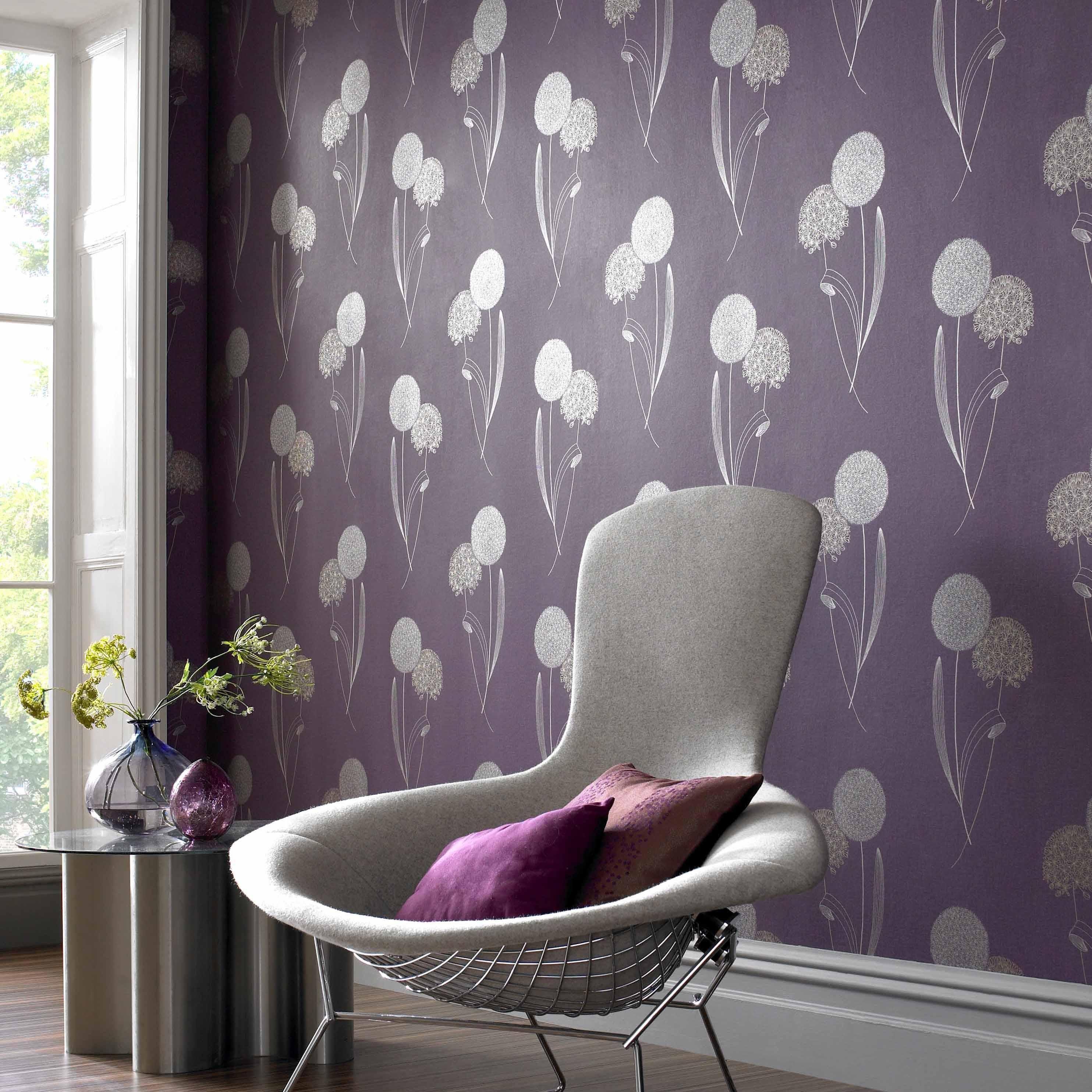 Фиолетовые обои с серебряным рисунком