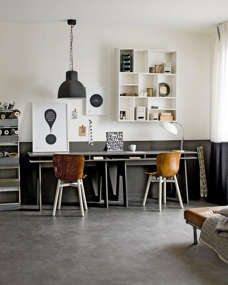 Серый стол для ребенка