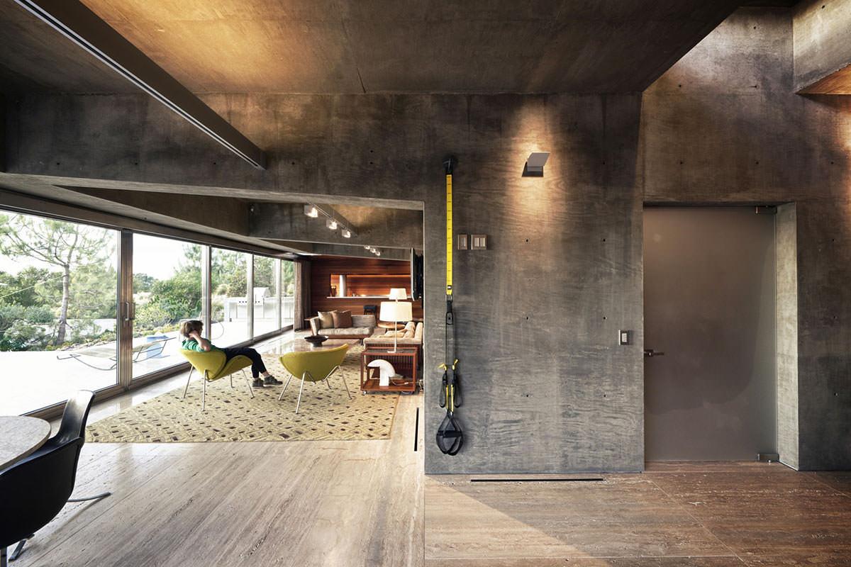 Серый бетонный потолок