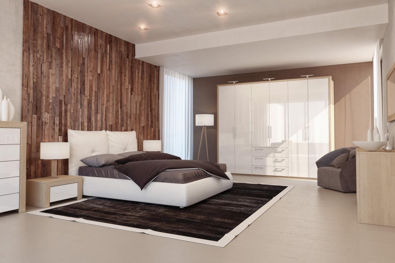 Глянцевый шкаф в спальне