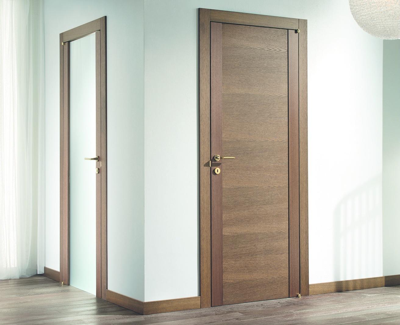 Шпонированная дверь в ванную